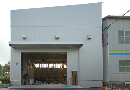 レーザー加工工場
